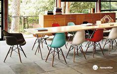 Eames Dowel Leg Side Chair - want one!