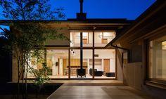 Hiiragi's house by Takashi Okuno