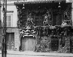 This doesn't exist anymore, but it does make me want to go exploring around Montmarte