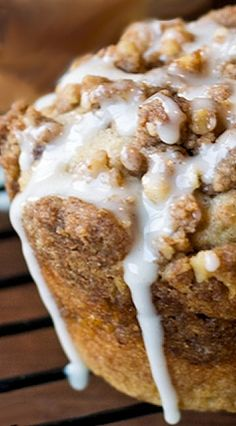 Apple Butter Streusel Muffins Recipe ~ These cinnamon muffins have an apple butter & streusel layer in the middle, with more streusel on top!