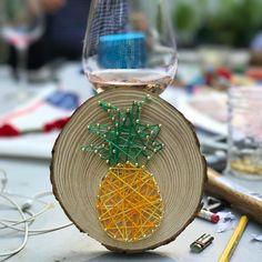 My art from today!!! Yes, I have many hidden talents...Hahahahahaha!! Are you ready for some pineapple in your timeline?   Minha arte do dia, por essa vc não esperava amiga fashion... Sim, eu tenho muitas habilidades desconhecidas que envolvem martelo e pregos... hahahahahaha!! Tá preparada para muito abacaxi na sua timeline hoje Brasil??? #pineapples #abacaxi #craftparty #craft #stringart #funday #sundays #sundaymood #sundayvibes #sundayfunday #artoftheday #artesanato #hobby #craf...