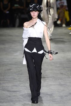 Ann Demeulemeester, Весна-лето 2018, Ready-To-Wear, НЕДЕЛЯ МОДЫ: Париж
