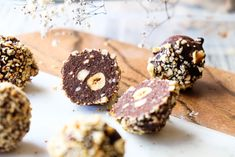 Oh yes people You heard me HEALTHY FERRERO ROCHER BALLS I have seen so many of these babies pop up on social media lately that I just had to have them I winged the recipe. Healthy Mummy Recipes, Healthy Sweets, Healthy Baking, Raw Food Recipes, Sweet Recipes, Healthy Snacks, Paleo Food, Gf Recipes, Recipies