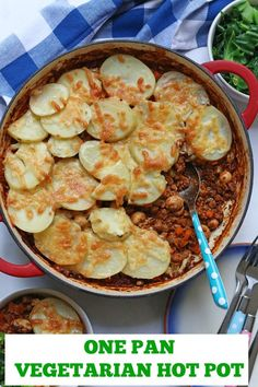 Quorn & Vegetable Hot Pot. The ultimate comfort food meal, perfect for Autumn and Winter but easy enough to whip up mid week! #hotpot #veggiehotpot #vegetarianhotpot #comfortfood Vegetarian Meals For Kids, Vegetarian Recipes, Healthy Recipes, Healthy Dishes, Meal Recipes, Healthy Meals, Delicious Recipes, Healthy Eating, Quorn Recipes