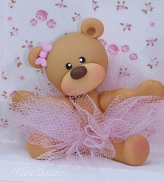 Polymer Clay Dolls, Polymer Clay Crafts, Diy Clay, Clay Bear, Love Cake Topper, Teddy Bear Cakes, Fondant Animals, Fondant Toppers, Clay Ornaments