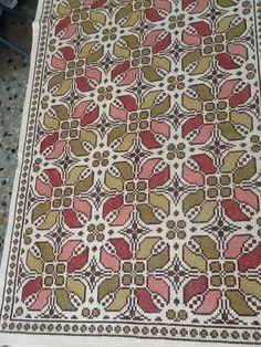 Που μπορώ τα πάρω το σχέδιο Wool Embroidery, Cross Stitch Embroidery, Embroidery Patterns, Cross Stitch Patterns, Palestinian Embroidery, Filet Crochet, Needlepoint, Needlework, Diy And Crafts