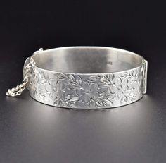 Sterling Silver Engraved Forget Me Not Bangle Bracelet  #Silver #Bracelet #intage #Sterling #Forget #Bangle #Engraved #Australian #Hobe #Bead