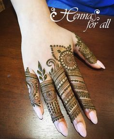 Simple Mehendi designs to kick start the ceremonial fun. If complex & elaborate henna patterns are a bit too much for you, then check out these simple Mehendi designs. Dulhan Mehndi Designs, Mehandi Designs, Mehendi, Mehndi Designs 2018, Stylish Mehndi Designs, Mehndi Designs For Girls, Mehndi Designs For Beginners, Mehndi Design Pictures, Mehndi Designs For Fingers