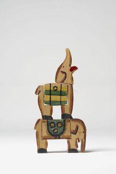 Joaquín Torres García (1874-1949) Elefantes Ca. 1928 Madera pintada, diversas medidas Colección particular, Nueva York, d.r.  © Joaquín Torres García, VEGAP, Málaga 2010