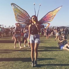 Goes to Coachella --> Turns into Butterfly // Coachella 2016