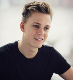 Caspar Lee, Youtubers, Rings For Men, Pretty, Death, London, Happy, Life, Men Rings