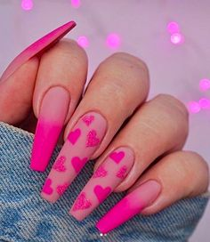 Image shared by Find images and videos about pink, nails and unhas on We Heart It - the app to get lost in what you love. Summer Acrylic Nails, Best Acrylic Nails, Summer Nails, Pink Acrylic Nail Designs, Heart Nail Designs, Aycrlic Nails, Swag Nails, Coffin Nails, Glitter Nails