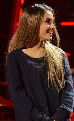 Ariana Grande Sweater 2017 Street Style
