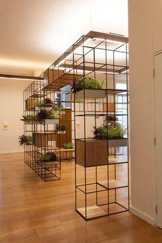 Divisórias de ambientes, diversos estilos, portas, vazado, metal, cobogó, entre outos. Veja outras ideias como separar ambientes no link do blog
