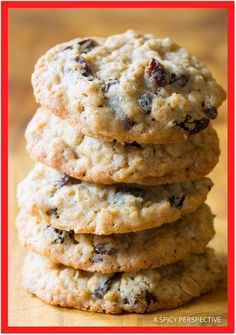 The Best Oatmeal Raisin Cookies Recipe Ever - My mom makes the most amazing oatmeal cookies. Soft and chewy on the inside, crispy around the edges! (best cookie recipes ever) The Best Oatmeal Raisin Cookie Recipe, Best Oatmeal Raisin Cookies, Oatmeal Cookie Recipes, Best Cookie Recipes, Martha Stewart Recipes Cookies, Soft Chewy Oatmeal Cookies, Instant Oatmeal Cookies, Oatmeal Scotchies, Homemade Oatmeal
