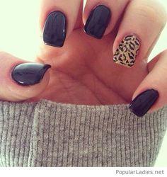 black-gel-nails-with-leo-print