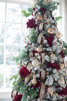 atlanta blogger bluegraygal decorating christmas trees - Awesome Christmas Trees