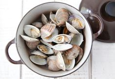 Clams with White Wine Sauce recipe pinned from Weelicious.com