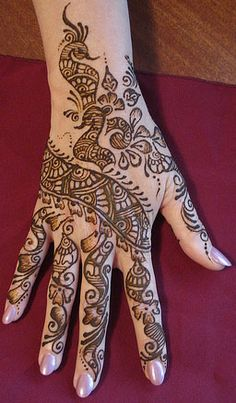 This henna tattoo is beautiful! Gonna have to get that soon!