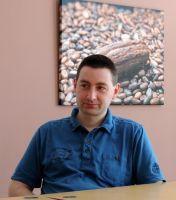 Inspirační rozhovor s majitelem e-shopu Čokoláda.cz Button Down Shirt, Men Casual, Mens Tops, Shirts, Dress Shirt, Dress Shirts, Shirt