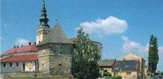 Pohled na Farní kostel a baštu