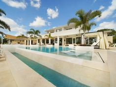 vacation rentals to book online direct from owner in . Vacation rentals available for short and long term stay on Vrbo. Florida Villas, Vacation Villas, Florida Holiday, Gas Bbq, Cape Coral, Workout Rooms, Private Pool, Jacuzzi, Ideal Home