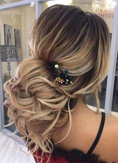 Christmas hair ideas. Updo for wedding. holiday hair ideas