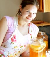 SCOBY Hotel – VIDEO QUICK TIP!>>how and whereto properly store your scoby mama while you're on a fermenting hiatus, or have extra scoby-babies.
