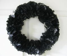 DIY Halloween : DIY Paper Spider Wreath