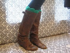 I love love scalloped edges!! I love the color and i love that its affordable for anyones budget!!  Reversible Crochet Boot Cuffs With Scalloped Edges - Leg Warmers - Knee Warmers - Available in Many Colors -
