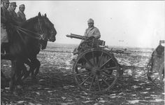 Romanian cavalry transport a Maxim gun, 1915 Military Photos, Military Men, Military History, World War One, First World, Ww1 History, Total War, Troops, Soldiers