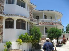 54  A lovely Haitian home.