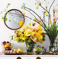 Påsk hos Svenskt Tenn (Living by W) Happy Easter, Easter Bunny, Haft Seen, Easter Crafts, Easter Decor, Spring Time, Flower Power, Flower Arrangements, Table Decorations