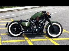 Harley Davidson Sportster Iron XL883N   Really interesting colors, love the white walls!