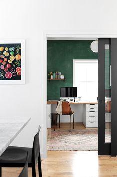 modern home office inspiration Office Inspiration, Color Inspiration, Home Office Furniture, Home Office Decor, Home Decor, Office Playroom, Green Office, Minimalist Decor, Minimalist Style