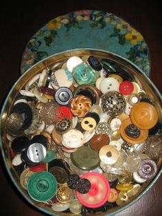 Grandma's button box - I used to love playing with all the pretty buttons in the old cookie tin. My Childhood Memories, Sweet Memories, I Remember When, Oldies But Goodies, Good Ole, Button Crafts, My Memory, The Good Old Days, Vintage Buttons