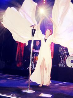 florence welch. ethereal.