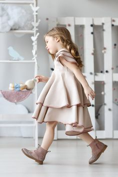 Girls linen dress-girls birthdayr dress-Toddler linen | Etsy Girls Spring Dresses, Dresses Kids Girl, Kids Outfits, Flower Girl Dresses, Toddler Dress, Baby Dress, Stylish Dresses, Cute Dresses, Stylish Kids Fashion