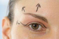 Fallen eyelids: what to do? Fallen eyelids: what .it /… - Diy Beauty Care, Real Beauty, Beauty Hacks, Hair Beauty, Calisthenics Women, Sr1, Facial, Desperate Housewives, Make Art