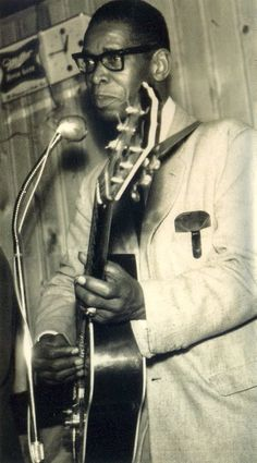 Elmore James King of the slide guitar