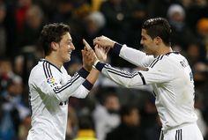 Real Madrid vs. Atlético - 2 goals, CR7 and Mesut