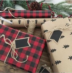 Easy & Simple Christmas Hacks, Tips and Tricks - Holiday Wrapping Ideas Christmas wrapping idea Merry Little Christmas, Plaid Christmas, Rustic Christmas, Simple Christmas, Winter Christmas, Vintage Christmas, Christmas Holidays, Christmas Gifts, Christmas Decorations