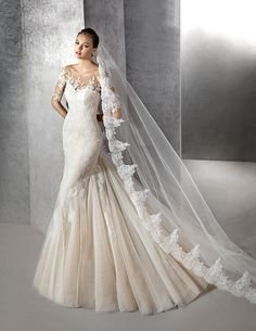 Zandra, original wedding dress, sweetheart neckline
