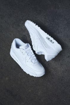 all white air max shoes