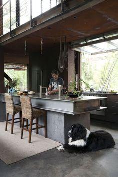 7 Creative and Modern Tricks: Industrial Loft Living Room dark industrial kitchen. Loft Kitchen, Kitchen Interior, Open Kitchen, Kitchen Taps, Kitchen Dining, Dining Table, Industrial House, Industrial Style, Kitchen Industrial