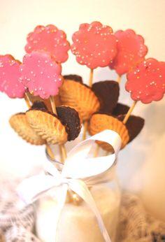 Keksirakentelua Fazer-kekseistä Cake, Party, Desserts, Food, Tailgate Desserts, Deserts, Kuchen, Essen, Parties