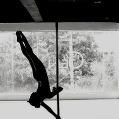 Pole Fitness, I love the lighting on this pic