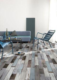 A floor imitating a parquet...nice idea for the house on the beach!