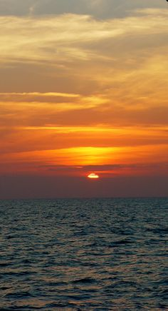 Life Changing Choices And Who To Listen To...and Yes, it´s not only but it´s about #traveling. (sunset between Sicily and Sardegna)