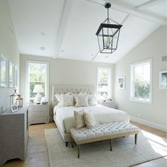 35 Amazing Farmhouse Bedroom Decor Inspiration Ideas - Farmhouse Bedroom Decor – Everybody wants to live in a beautiful house with good design and décor. If you want to live in a beautiful, perfect house, . Farmhouse Style Bedrooms, Farmhouse Master Bedroom, Master Bedroom Design, Home Decor Bedroom, Master Bedrooms, Modern Farmhouse, Bedroom Ideas, Bedroom Photos, Bedroom Décor